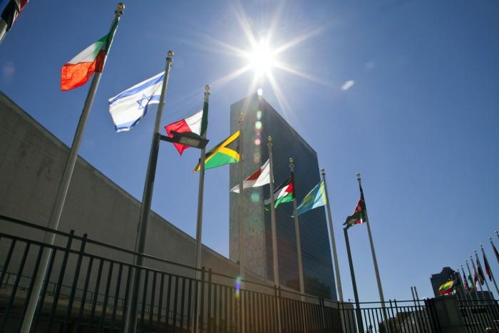 La coalition internationale veut frapper l'EI à la source