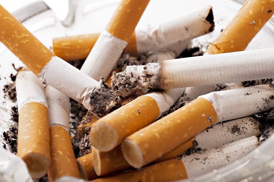 lobbying-tabac-illicit-whites